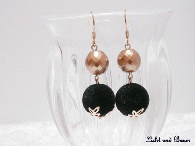 Winter pierced earrings...ブラックの画像1枚目