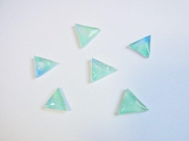 三角グラデーションピアスの画像1枚目