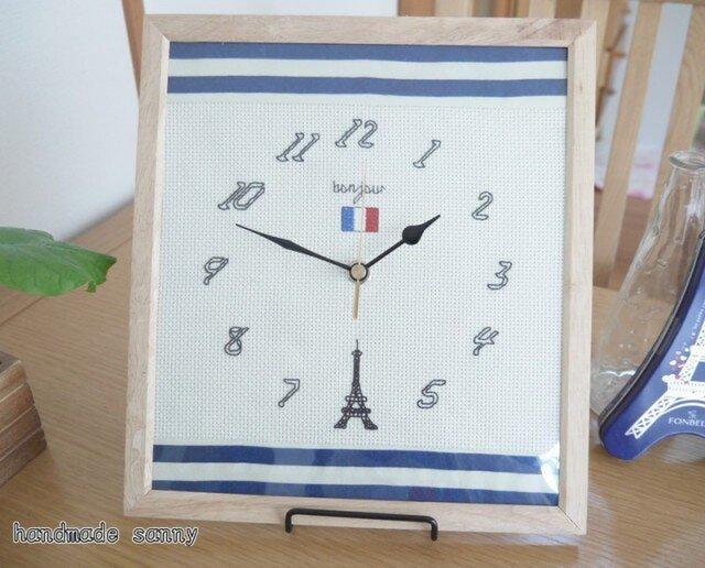 パリ エッフェル塔 刺しゅう時計の画像1枚目
