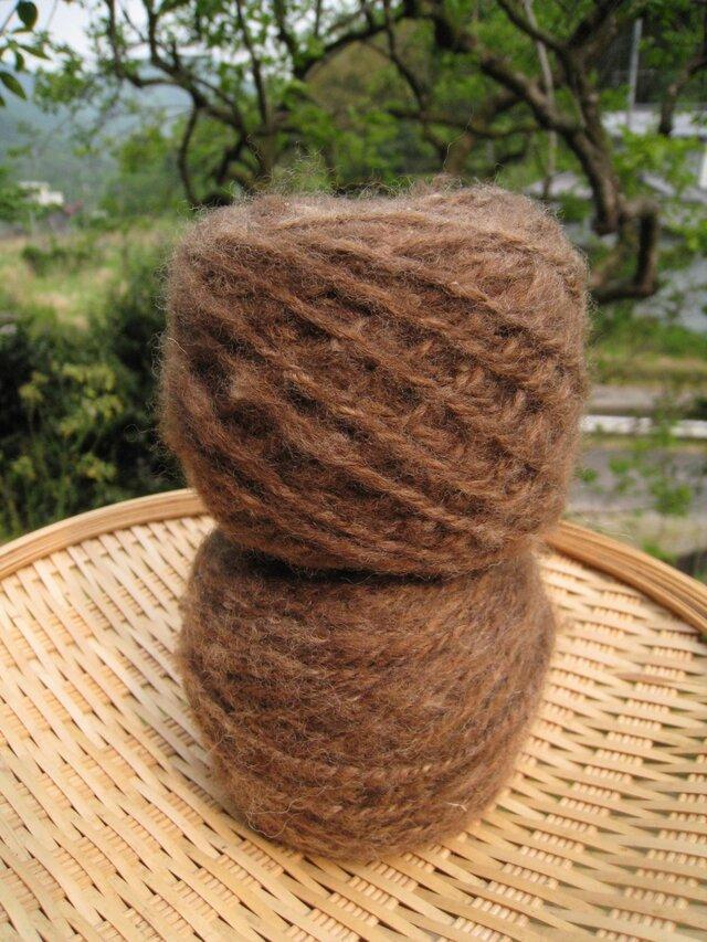 手紡ぎ毛糸 コリデール 茶 100gの画像1枚目