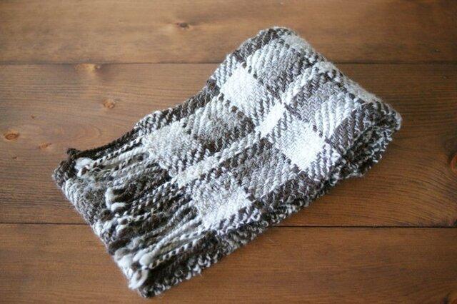 手紡ぎのマフラー(茶系の綾織)の画像1枚目