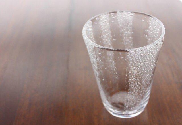 小さな泡のグラスの画像1枚目
