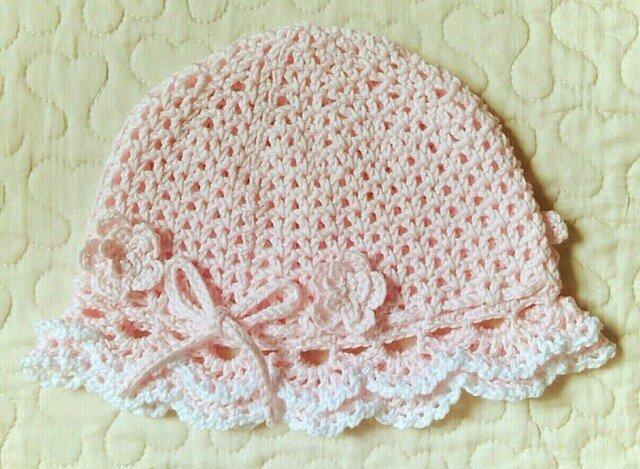 お花モチーフ付フリルのお帽子  ~46cm  ベビーピンクの画像1枚目