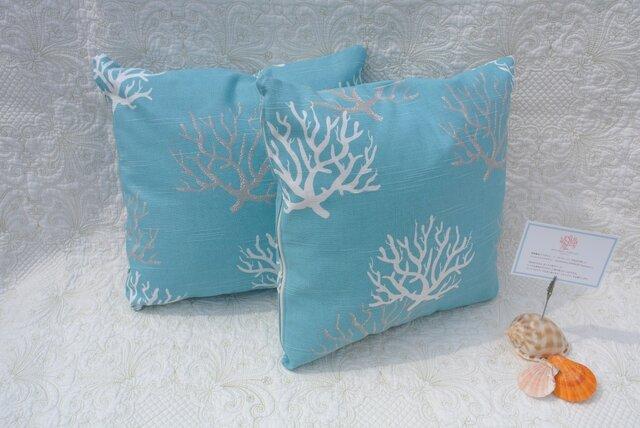 サンゴ柄のサマークッション ブルーの画像1枚目
