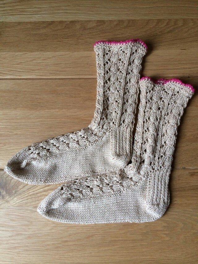 手編み靴下Organic cotton100% ベージュ×ピンクの画像1枚目
