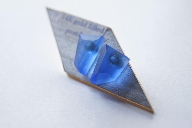 ウミノカクカク SEA GLASS ピアスeの画像1枚目