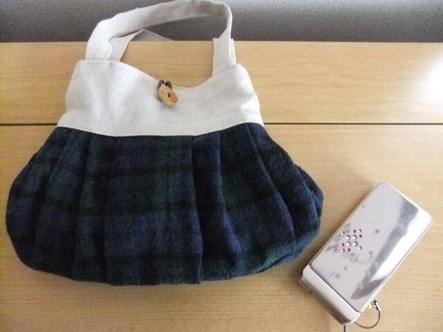 プリーツスカートみたいなミニバッグの画像1枚目