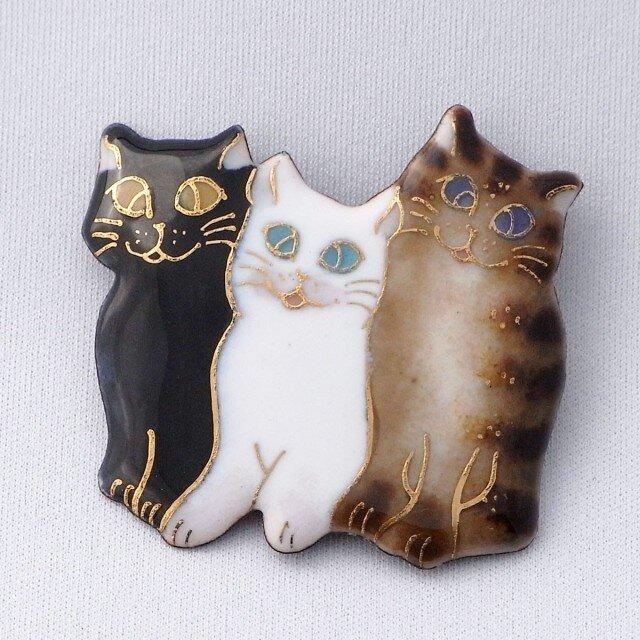 七宝焼ブローチ 3匹の猫の画像1枚目