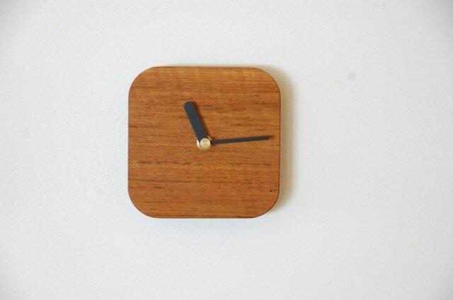 チークの四角い時計の画像1枚目