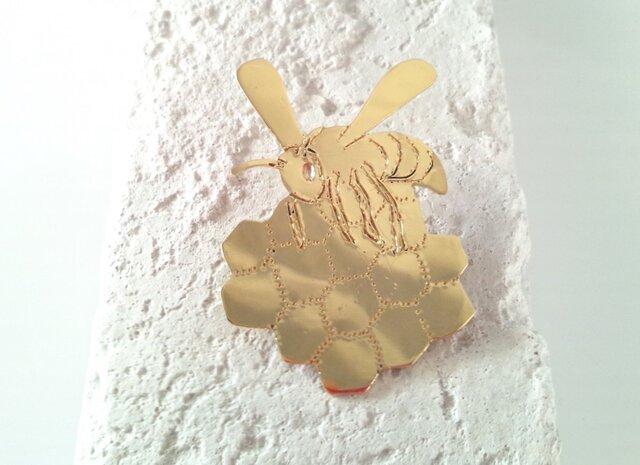 ☆Bee & Honey Comb☆ 真鍮ブローチの画像1枚目