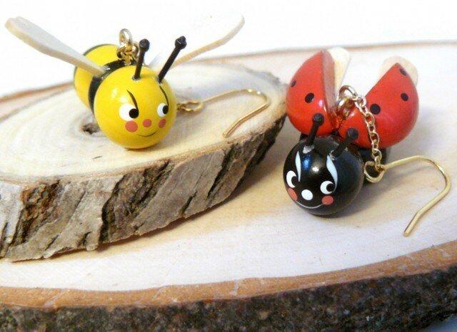 ハチとテントウムシのピアス / Bieneの画像1枚目