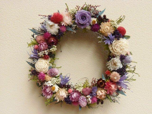 花いっぱいリース パープル系の画像1枚目