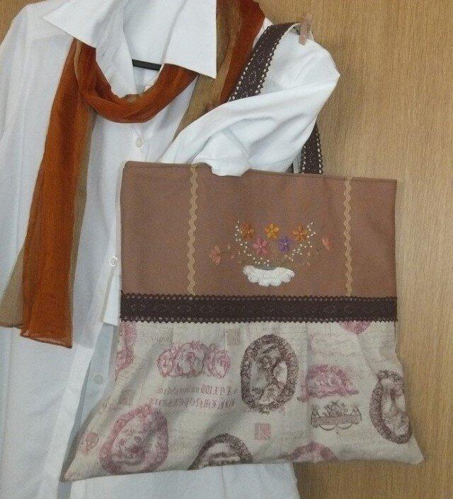 お花刺繍アンティークバッグの画像1枚目