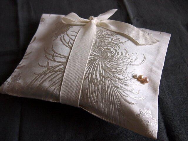 シルクのギフトパッケージ用バッグの画像1枚目