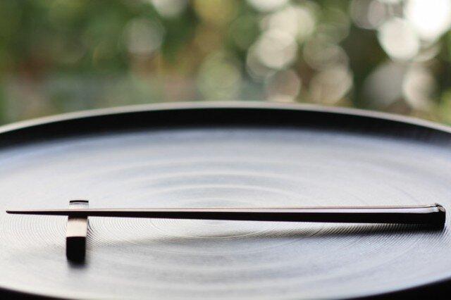 煤竹拭漆箸/23cm(すすたけふきうるしはし)の画像1枚目