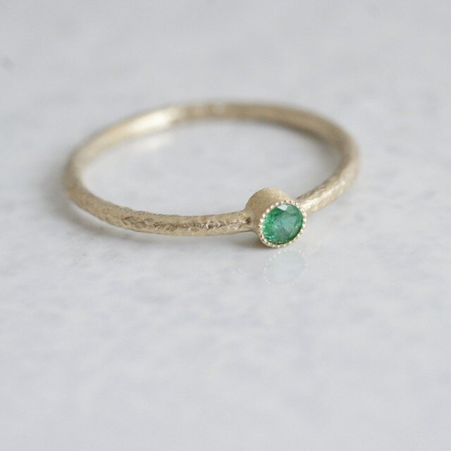 Emerald one stone ring {R050K10EM}の画像1枚目