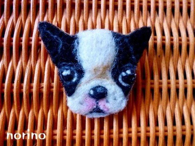 羊毛フェルト ボストンテリアパピーブローチの画像1枚目