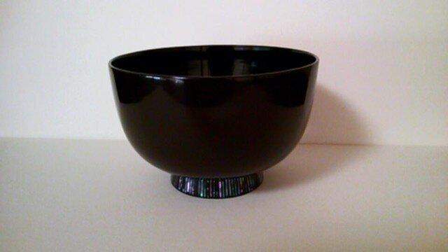 潤み高台螺鈿椀(縦縞模様)の画像1枚目