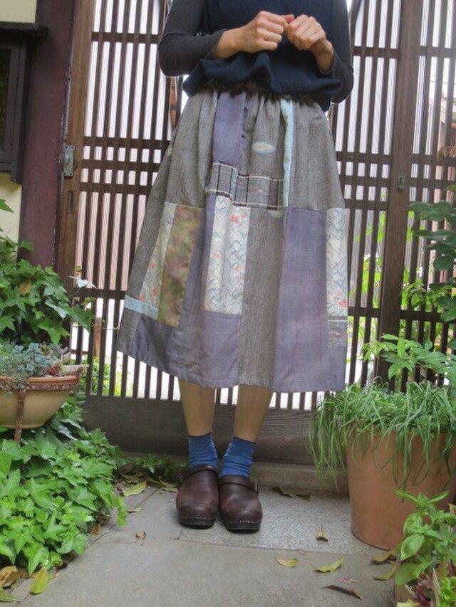 着物リメイク☆優しさいっぱいグレー~パープル系スカート69cm丈の画像1枚目