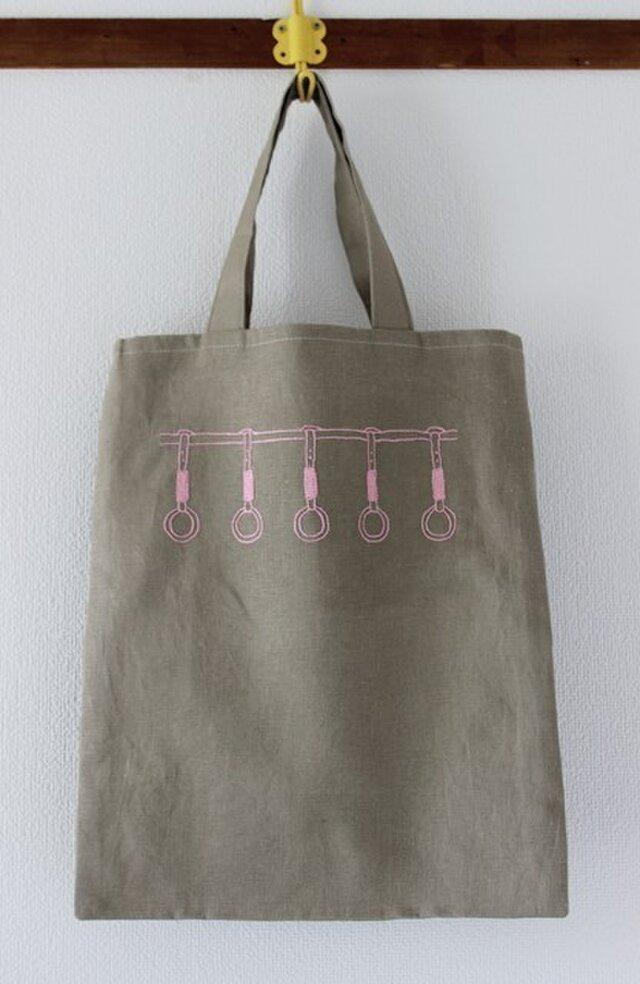 ピンクつり革のリネンぺたんこバッグの画像1枚目