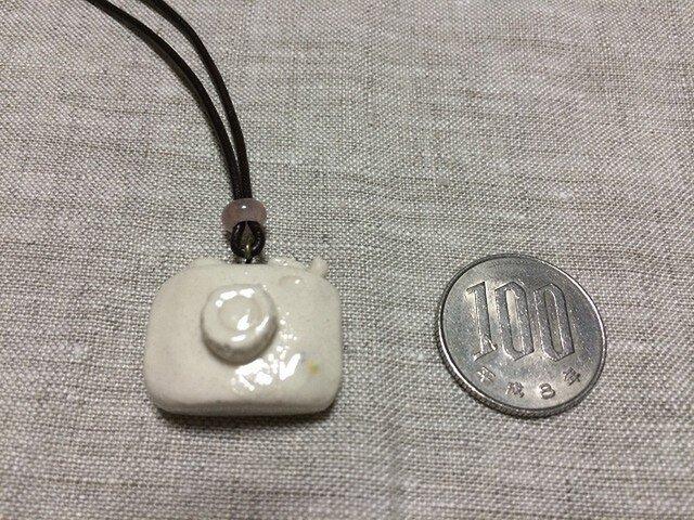 【陶器】カメラネックレス・ホワイトの画像1枚目