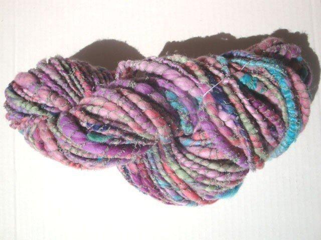 ニュアンスカラーとプクプクの糸の画像1枚目