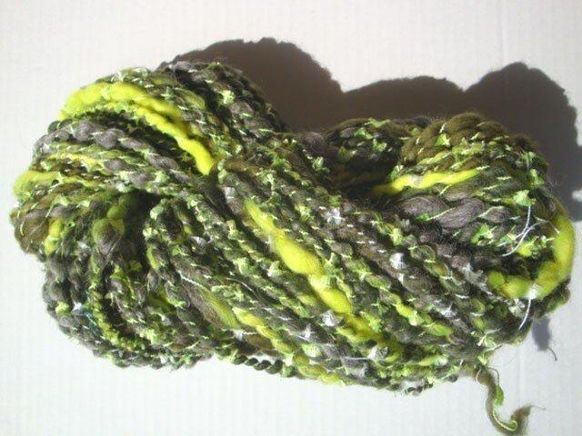 蛍光イエローとキラキラな糸の画像1枚目