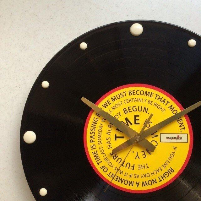 レコード盤壁掛け時計(格言・黄)の画像1枚目