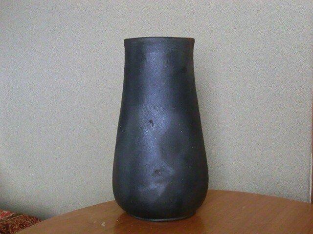 焼き締めの壺の画像1枚目