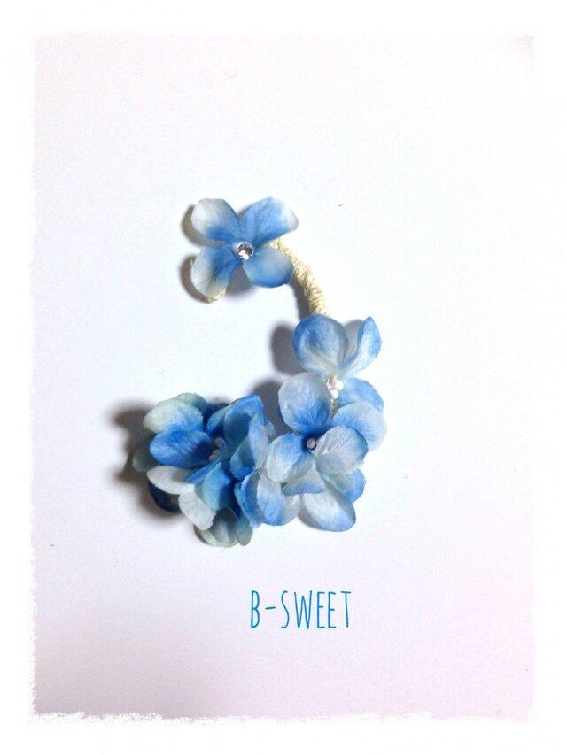 紫陽花のイヤーフックC (ブルー)左耳用の画像1枚目