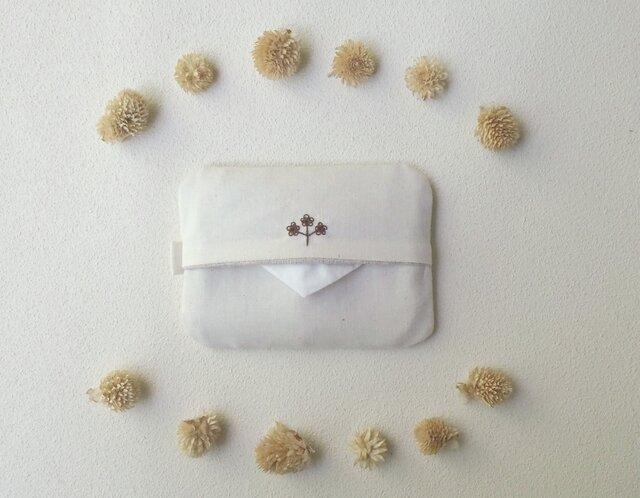花刺しゅうのポケットティッシュケース(ブラウン)の画像1枚目
