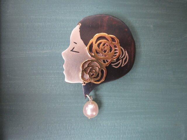 象嵌金具「六月の乙女」の画像1枚目