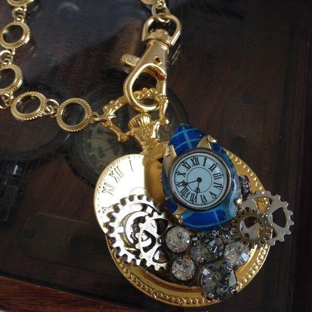 時計と歯車のバッグチャームの画像1枚目