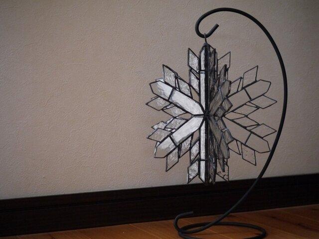 【再販】ステンドグラス 雪の結晶 立体の画像1枚目