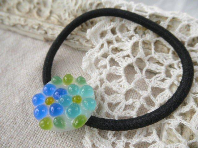 ガラスの小花さん*ヘアゴム、ブルーの画像1枚目