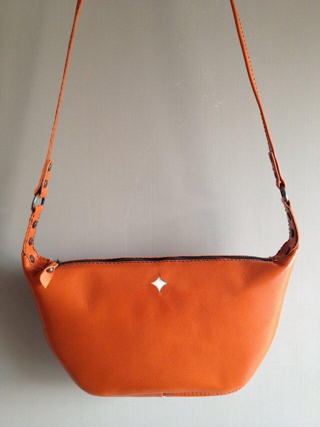 オレンジバッグの画像1枚目