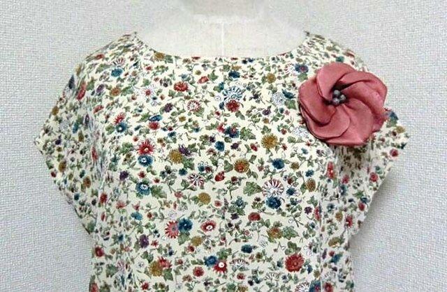 着物から小花柄ブラウスの画像1枚目