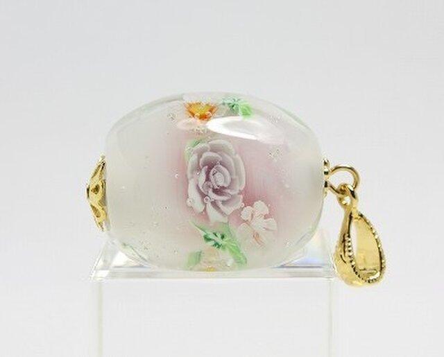 ミルキーピンクのバラ玉の画像1枚目