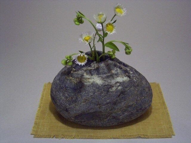 石輪挿し 石の花入れ K-149の画像1枚目