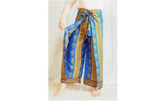バリ伝統の更紗ラップパンツ 青の画像1枚目