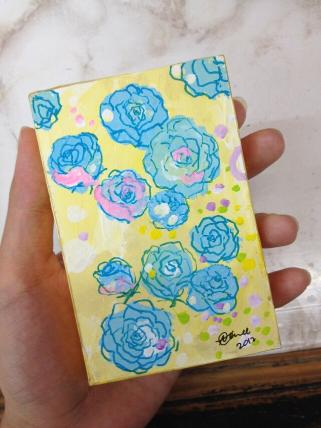 青いバラの画像1枚目