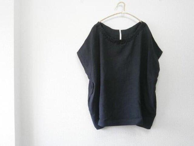 en-en首飾り手刺繍オーバーシャツ・ブラックの画像1枚目
