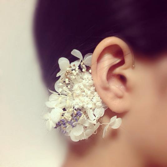 New】白花のイヤーカフ(ラベンダー)の画像1枚目