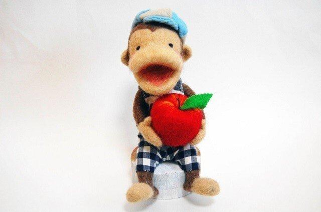 リンゴを持ったモン吉の画像1枚目