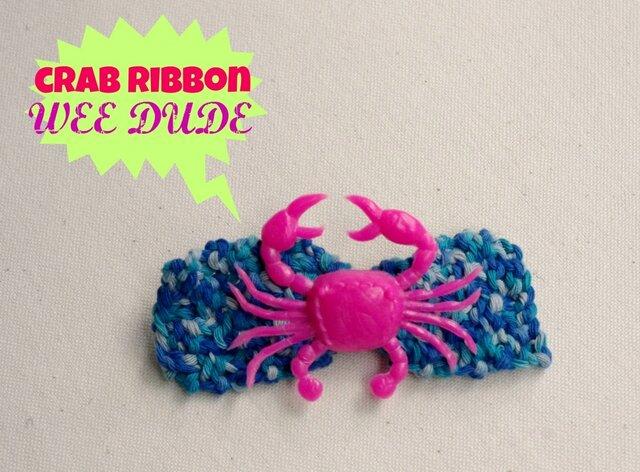 crab ribbon pin broach (blue)の画像1枚目