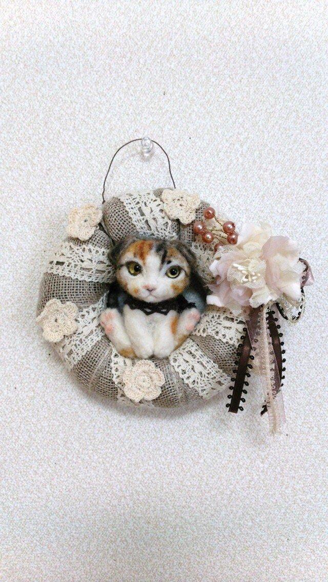 猫 羊毛フェルトのリースの画像1枚目