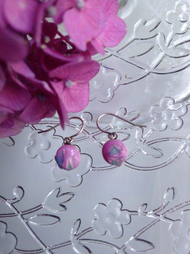 七宝焼ピアス  ダイクロガラス  ピンクの画像1枚目