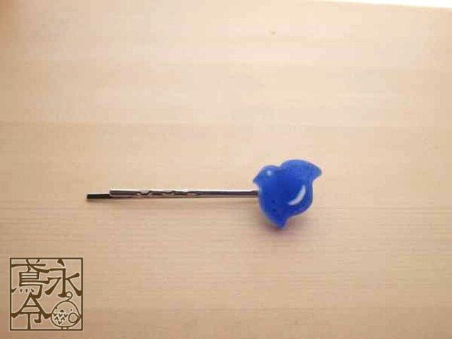 ヘアピン 青色に白の小さい千鳥(右)の画像1枚目