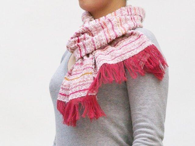 =Sold= 変わり糸のピンク系マフラーの画像1枚目