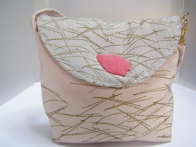 ふんわり 絹バッグ 和布 デジカメやお財布もの画像1枚目